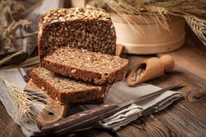 Chleb razowy nie zawsze najlepszym rozwiązaniem dla zdrowej diety [Fot. arfo - Fotolia.com]