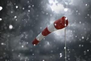 Chłodna i wietrzna pogoda sprzyja zawałom [Fot. Fotofuchs - Fotolia.com]