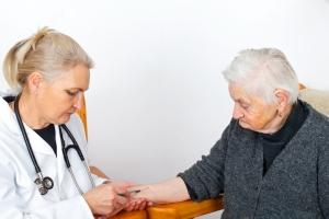 Choroba Alzheimera: wyzwanie dla systemu opieki zdrowotnej [Fot. Ocskay Mark - Fotolia.com]