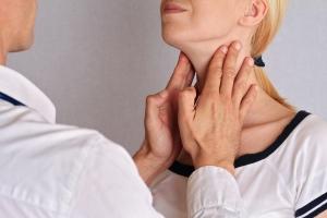 Choroba Hashimoto  - jakie są objawy i jak ją leczyć [Fot. glisic_albina - Fotolia.com]