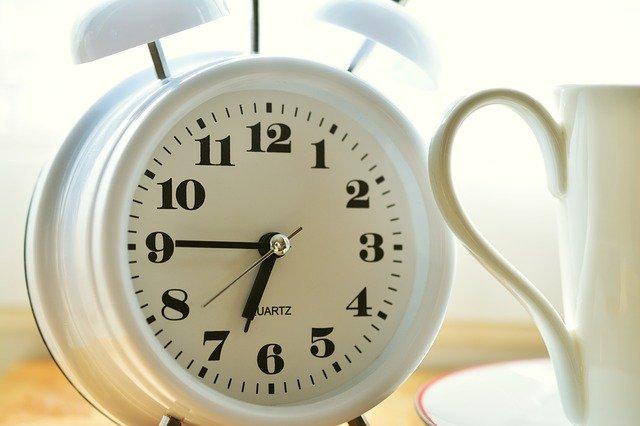 Chorzy na cukrzycę typu 2 a pory snu - lepiej jest wstawać wcześniej [fot. congerdesign from Pixabay]