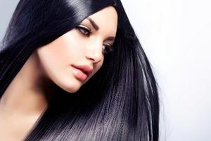 Ciąć czy zapuszczać włosy czyli odwieczny kobiecy dylemat [fot. Zapuszczamy włosy - Fotolia]