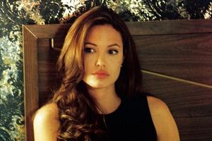Ciotka Angeliny Jolie zmarła na raka piersi [Angelina Jolie fot. Monolith]