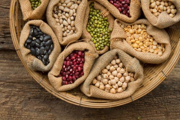 Co jeść, by zmniejszyć nadciśnienie? Białko roślinne [Fot. piyaset - Fotolia.com]