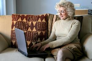 Co seniorzy kupują przez Internet? [© olly - Fotolia.com]