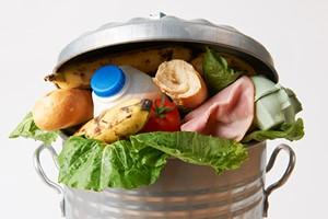 Co trzeci Polak wyrzuca żywność. Co najczęściej? [Marnowanie jedzenia, © highwaystarz - Fotolia.com]