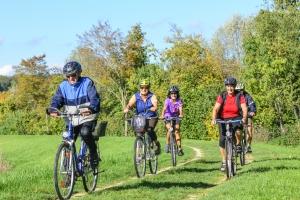 Co warto zabrać na wycieczkę rowerową?  [Fot. ARochau - Fotolia.com]
