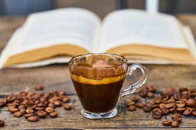 Codzienna kawa (a nawet dwie lub trzy) to niższe ryzyko udaru [fot. Engin Akyurt from Pixabay]