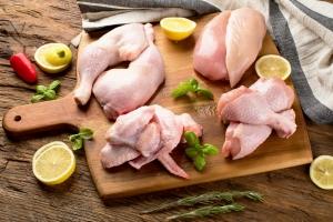 Coraz częściej sięgamy po zdrowsze mięsa [Fot. bit24 - Fotolia.com]