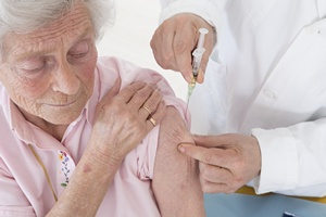 Coroczne szczepionki przeciw grypie polecane seniorom  [© JPC-PROD - Fotolia.com]