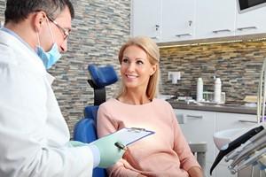 Cukrzycę może wykryć stomatolog [© sepy - Fotolia.com, Stomatolog]