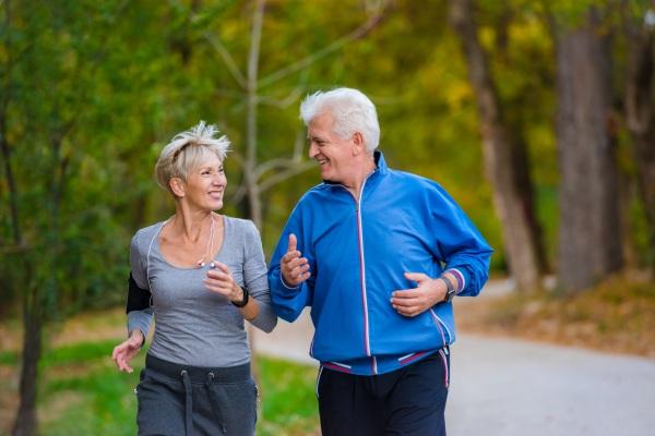 Ćwiczenia po sześćdziesiątce ochronią przed zawałem i udarem [Fot. lordn - Fotolia.com]