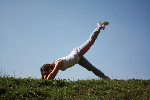 Ćwiczenie w młodszym wieku popłaca na starość [fot. xxolaxx from Pixabay]