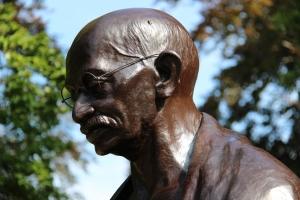 Czego uczą nas giganci historii - Mahatma Gandhi i jego życiowe lekcje [Fot. DELAVOGE - Fotolia.com]
