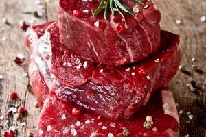 Czerwone mięso związane z rakiem piersi [© Jag_cz - Fotolia.com]