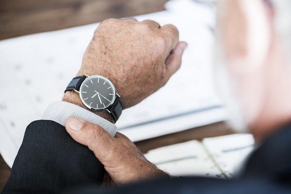 Często się spóźniasz? Masz większe szanse na szczęście i dłuższe życie [fot. rawpixel z Pixabay]