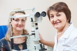 Czy Polacy korygują swoje wady wzroku? Największą przeszkodą lenistwo [Fot. Kadmy - Fotolia.com]