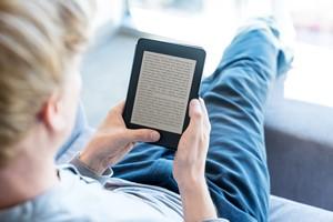 Czy e-booki są zdrowe dla oczu?  [E-book, ©  Melpomene - Fotolia.com]