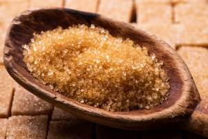 Czy można zastąpić cukier biały miodem lub cukrem trzcinowym? [Fot. luigi giordano - Fotolia.com]