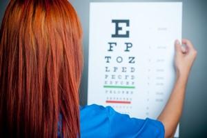 Czy pogorszenie wzroku po czterdziestce jest nieuniknione? [© Bartlomiej Zyczynski - Fotolia.com, Prezbiopia czyli starczowzroczność]