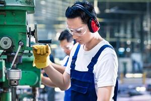 Czy pracownik może samowolnie opuścić miejsce pracy?  [© Kzenon - Fotolia.com]