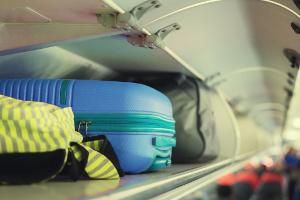 Czy wciąż da się tanio latać? Nowe zasady przewozu bagażu w popularnych tanich liniach lotniczych [Fot. asawinklabma - Fotolia.com]