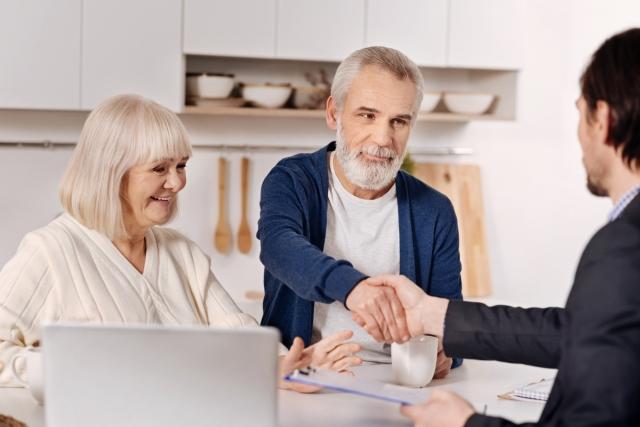 Czy wiek może przekreślić szansę na uzyskanie kredytu na zakup mieszkania?
