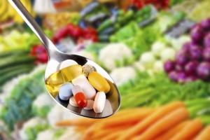 Czy zimą warto brać suplementy diety? [Fot. ronstik - Fotolia.com]