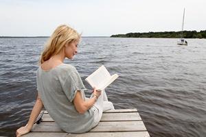 Czytanie pomaga interpretować emocje innych ludzi [© goodluz - Fotolia.com]