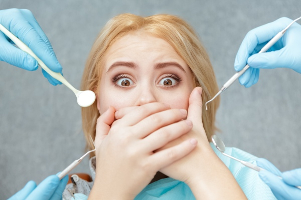 Dentofobia - czy paniczny strach przed dentystą da się opanować? [Fot. Nestor - Fotolia.com]