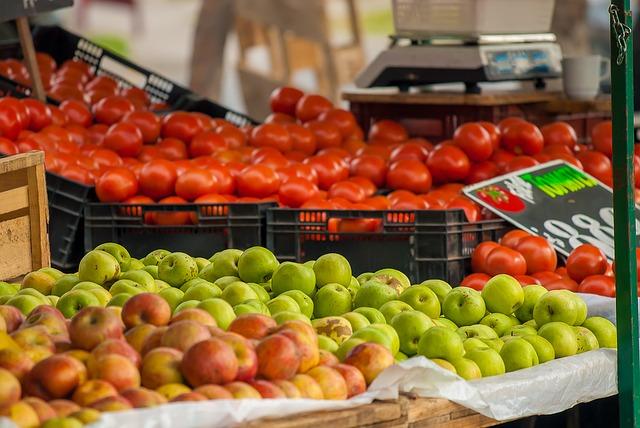Dieta bogata w jabłka i pomidory pomaga naprawić płuca byłych palaczy [fot. Yerson Retamal from Pixabay]