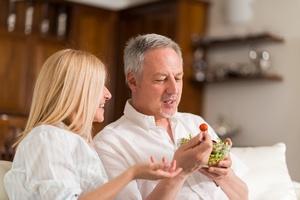 Dieta dla ludzi w �rednim wieku - 5 produkt�w, kt�rych nie mo�e w niej zabrakn�� [© Minerva Studio - Fotolia.com]