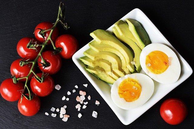 Dieta ketogeniczna może pomóc chorym na astmę [fot. zuzyusa from Pixabay]