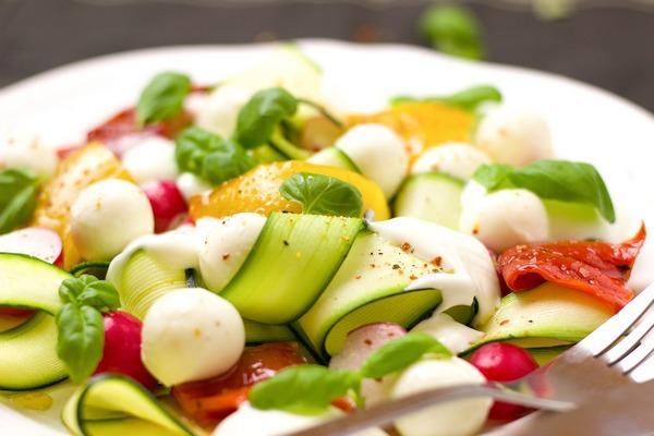 Dieta pomaga zachować zdolności poznawcze na starość [fot. Bernadette Wurzinger from Pixabay]