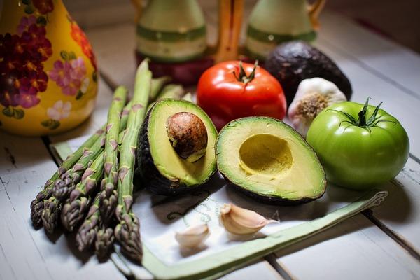 Dieta roślinna pomocna przy reumatoidalnym zapaleniem stawów [fot. Jill Wellington z Pixabay]