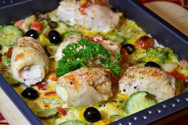 Dieta śródziemnomorska pomoże zachować funkcje poznawcze [fot. RitaE from Pixabay]