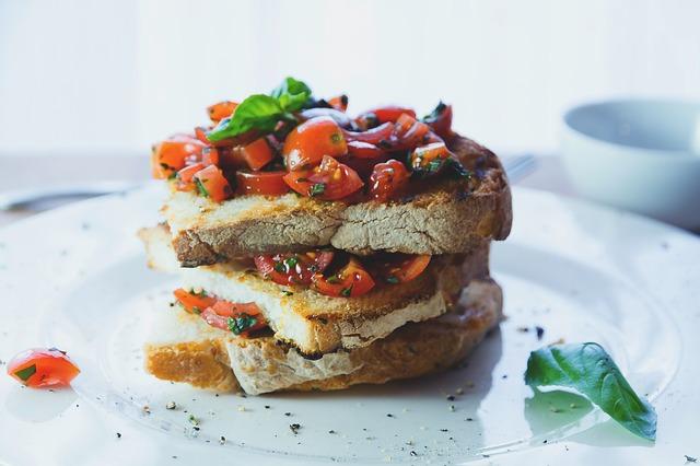Dieta śródziemnomorska zdrowa, o ile nie dołączasz innych produktów [fot. Moira Nazzari from Pixabay]