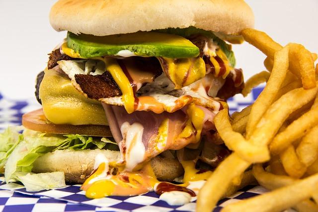 Dieta wysokotłuszczowa niszczy serce [fot. David Cortez from Pixabay]