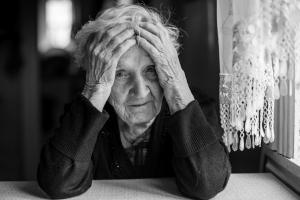 Dla samotnych Święta są trudne - jak osłabić poczucie izolacji [Fot. De Visu - Fotolia.com]