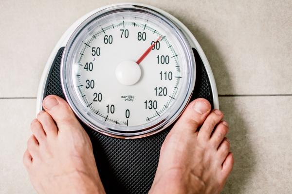 Dlaczego nagle tyjesz? Kilka powodów chwilowego przybrania na wadze [Fot. karepa - Fotolia.com]