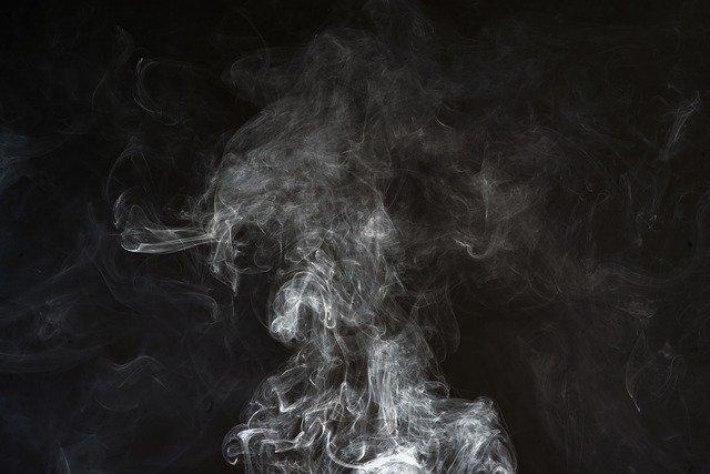 Dlaczego papierosy uspokajają [fot. axonite from Pixabay]