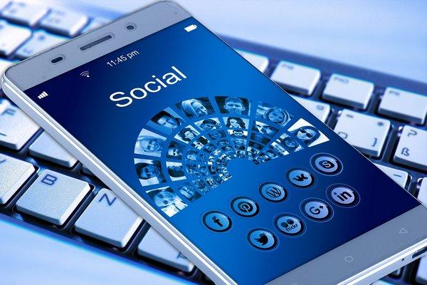 Dlaczego social media mogą mieć na nas negatywny wpływ [fot. Gerd Altmann from Pixabay]
