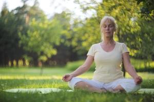 Dlaczego warto uprawiać jogę [Fot. destillat - Fotolia.com]