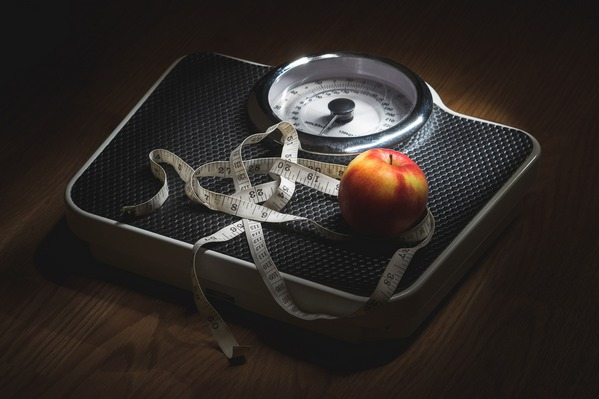 Dlaczego wraz z wiekiem tyjemy? Odkryto przyczyny zwiększania wagi [fot.  TeroVesalainen z Pixabay]