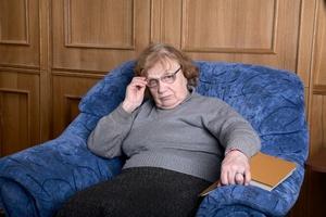 Długie siedzenie zwiększa ryzyko niepełnosprawności u seniorów [© makarenko - Fotolia.com]