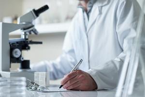 Dna moczanowa osłabia ryzyko Alzheimera [© 18percentgrey - Fotolia.com]