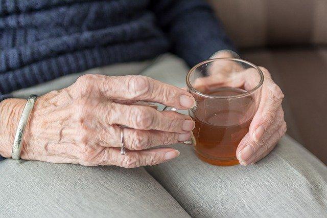 Dobrostan w starszym wieku - dużo zależy od stanu umysłu [fot. Sabine van Erp from Pixabay]