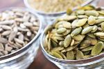 Dodaj do diety nasiona dyni, sezamu i słonecznika [© Elenathewise - Fotolia.com]