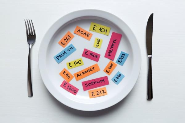 Dodatki do żywności - niektóre zwiększają ryzyko raka jelit [Fot. artursfoto - Fotolia.com]