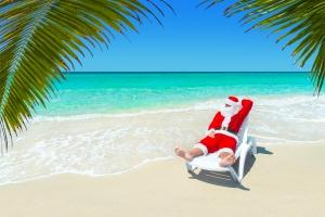 Dokąd wyjeżdżamy na Boże Narodzenie i Sylwestra? Opłatek pod palmami albo narty [Fot. EMrpize - Fotolia.com]